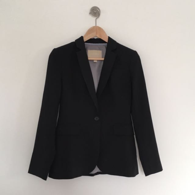 Smart Petite Black Blazer / Size 0 Petite / Brand: Banana Republic
