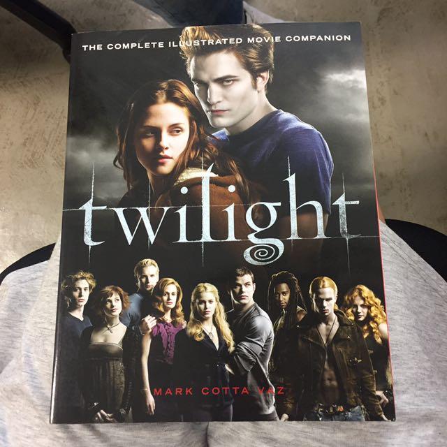 Twilight Complete illustrated Movie companion
