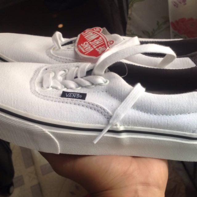 """Authentic Vans (white) - No Box Due To """"Space"""" In Balikbayan Box"""