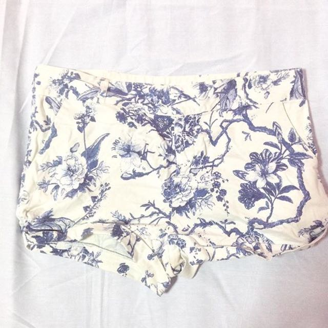 vero moda floral shorts
