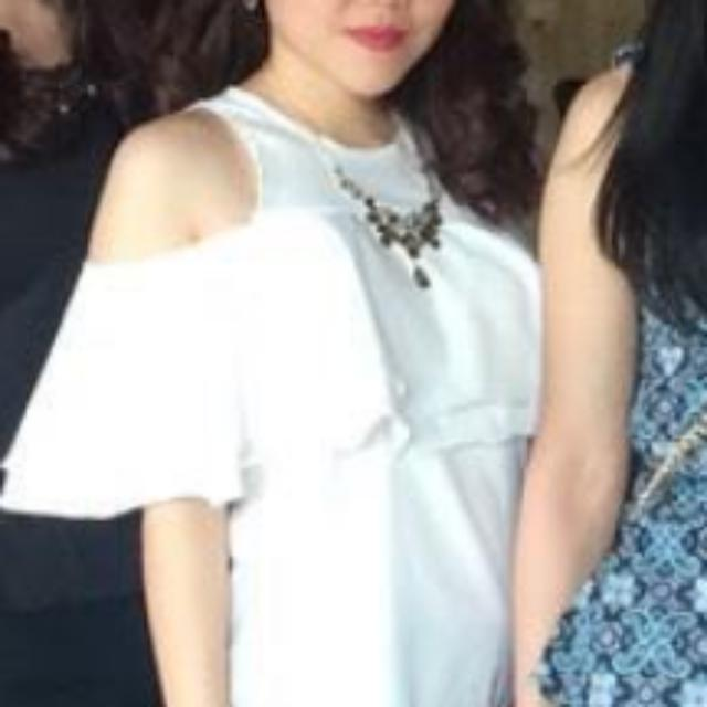White Sabrina