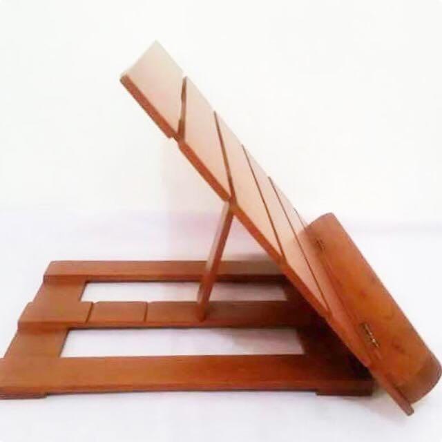 Wooden bookstand