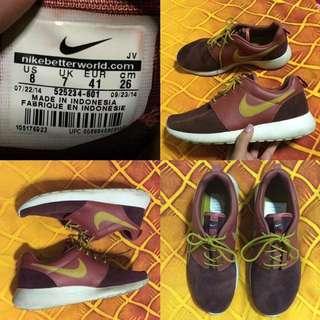 Premium Nike Roshe