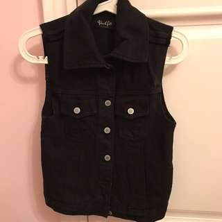 BRANDY MELVILLE DENIM VEST