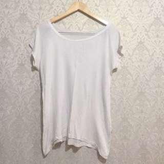 White Basic Tshirt / Kaos Polos Putih