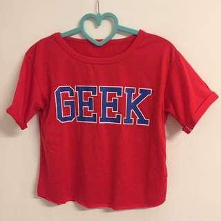 🚚 字母紅色短版上衣