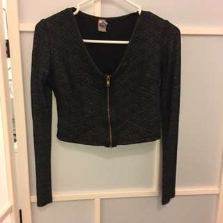 Black Crop Longsleeve