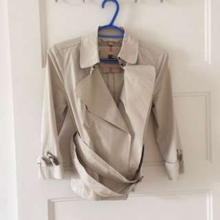 Authentic Short Burberry Trench