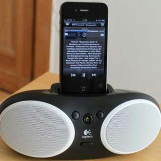 Logitech Portable iPod/iPhone Speaker (s125i)