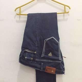 Celana Panjang Jeans Guess