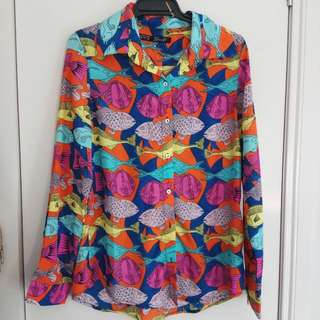 Retro Print Shirt. Soft Touch Fabric Small