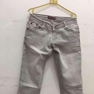Jeans Abu2
