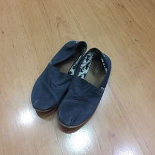 Toms Shoes Warna Navy Size 40
