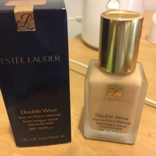 Estée Lauder Double Wear Foundation