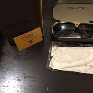 Black LV evidence Sunglasses