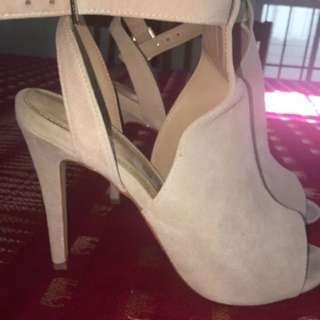 Beige Heels Size 11 From WANTED