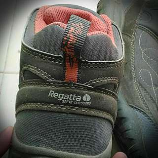 REPRICED!! REGATTA Hiking Shoes Size 6