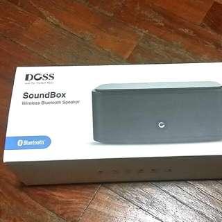 Doss SoundBox Bluetooth 4.0 Portable Wireless Speaker, Powerful Subwoofer, Built In Microphone