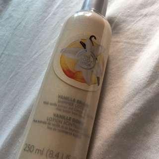 Body Shop shimmering Lotion Vanilla
