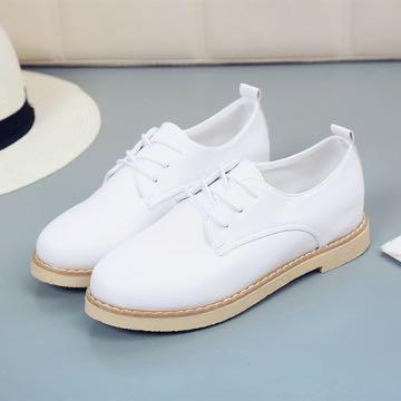 (特價!)(全新!)復古英倫風休閒學院風低跟皮質小白鞋