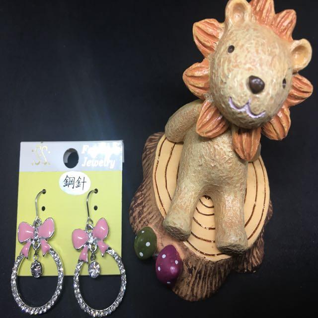 甜美蝴蝶結造型耳環