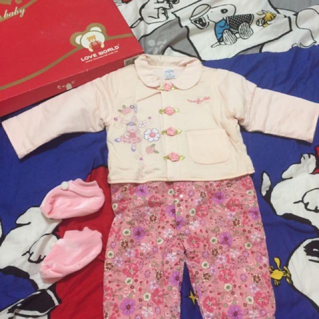 降價$⬇ 花花兩件組連身長袖長褲禮盒/新生兒、嬰幼兒、彌月禮物(全新現貨)
