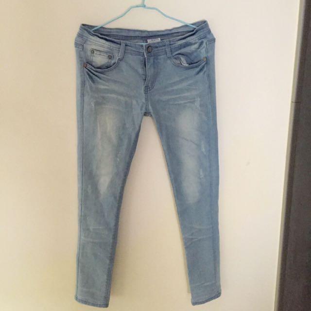 全新 轉賣 超美版型刷白淺藍牛仔褲 長褲 窄管緊身褲 zara h&m gap uniqlo gu
