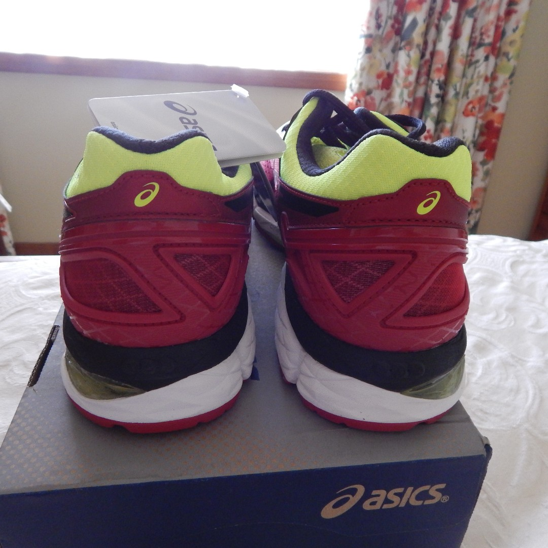 Asics Gel Kayano 22 mens shoes, size 10 US, brand new in box