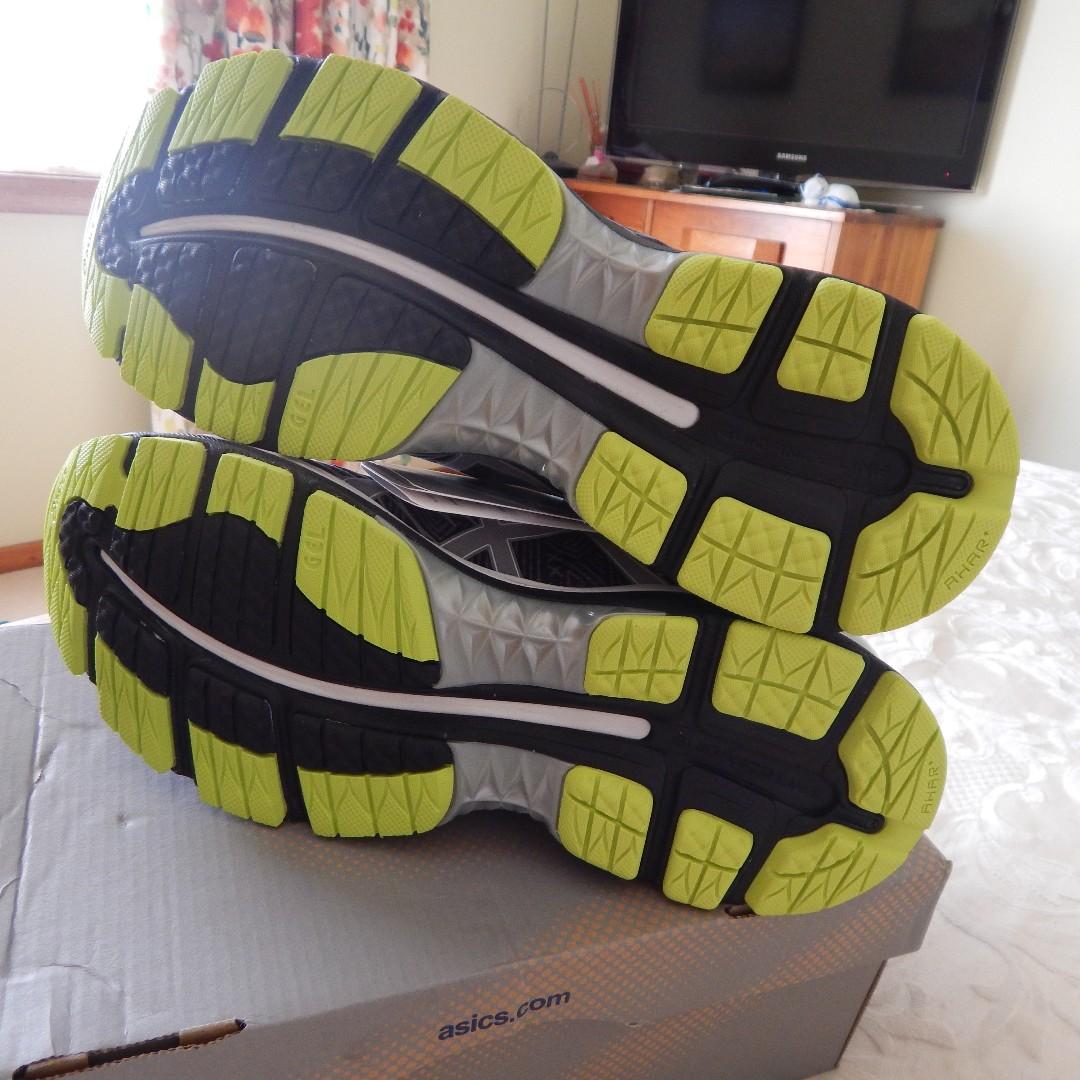 Asics Gel Nimbus 18 mens shoes, size 8.5 US, brand new in box