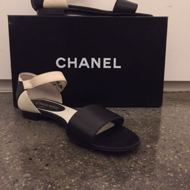 Chanel Flats Size 36 Leather Black And White