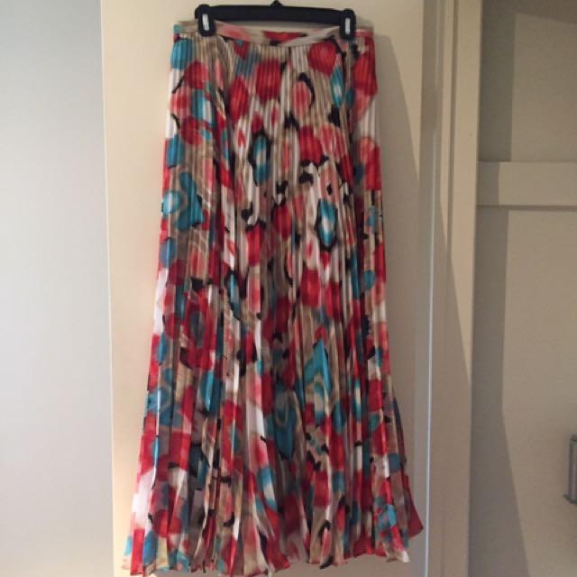 Chiffon Accordion Maxi skirt - Size 6