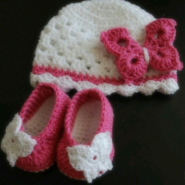 Crochet Baby Shoes And Beanie Set