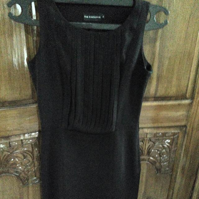 dress midi warna hitam merk executive size s