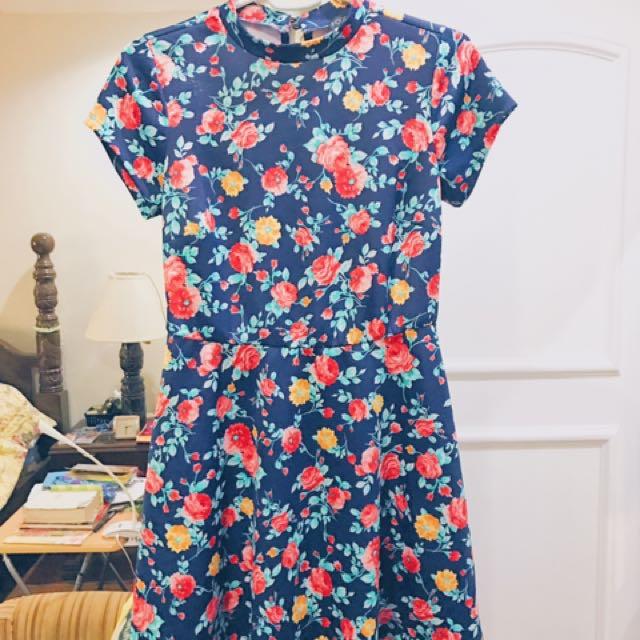 F21 PLUS SIZE Floral Dress