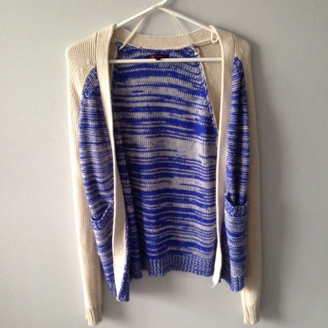 Knit Sweater (blue And Beige) Size M