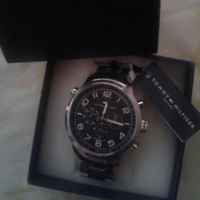 NEVER BEEN USED ORIGINAL TOMMY HILFIGER WATCH
