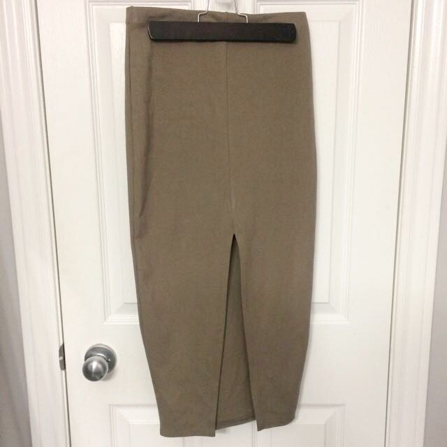 *Reduced* New Tofee/coffee 3/4 Skirt With Leg Slit