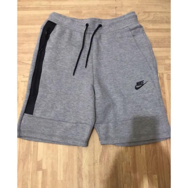 Nike Tech Fleece灰色綿短褲