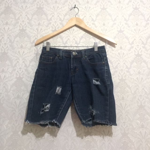 Ripped Short Jeans Pant / Celana Denim Pendek