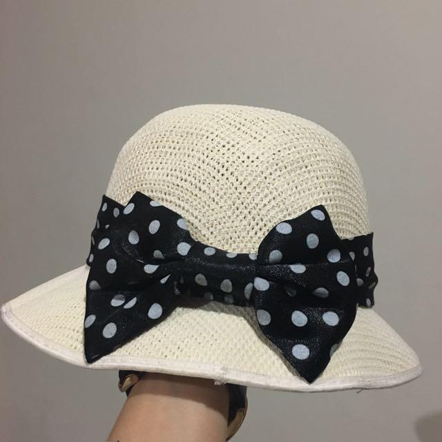 Rotan hat