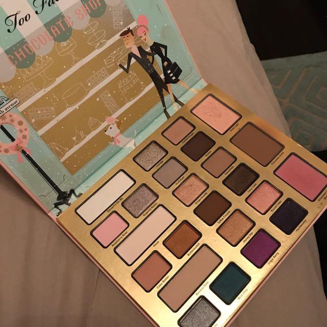Too Faced Holiday Eyeshadow Palette