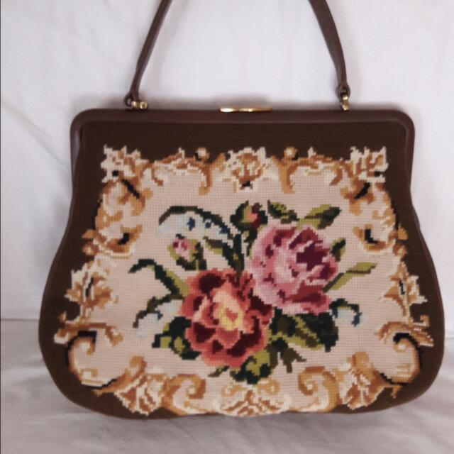 ce86ac9743dd Vintage Tapestry Bag, Luxury, Bags & Wallets on Carousell