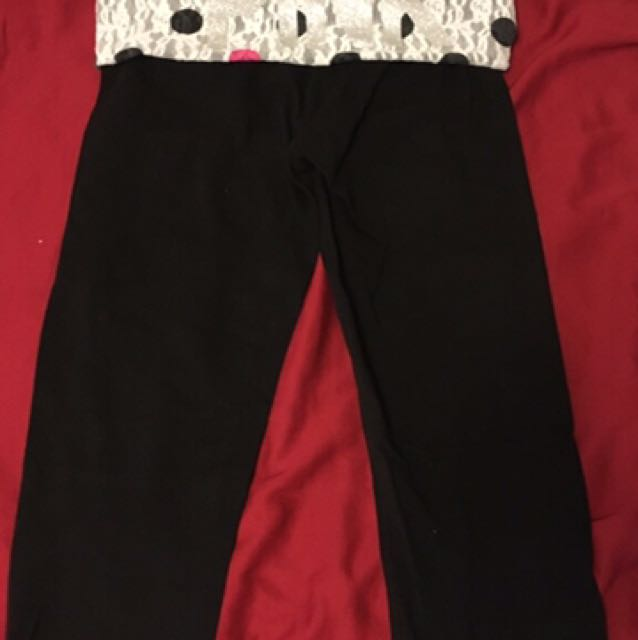 VS Pink Cropped Yoga Tights