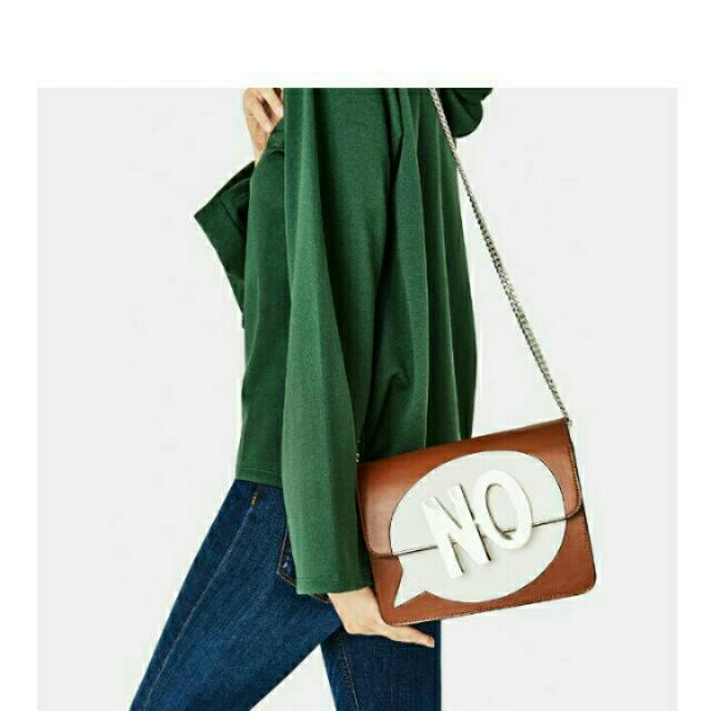 Zara標語肩背包 購買即加贈賣場Zara T恤