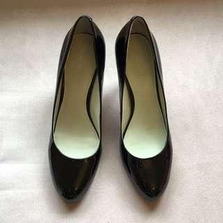 Size 7 Black Patent Leather Heels