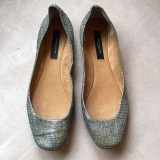 Size 7M Anne Taylor Silver Leather Ballet Flats