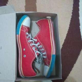 Sepatu Ardiles