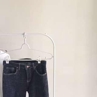 正韓代購 黑色直筒牛仔褲(超顯腿直