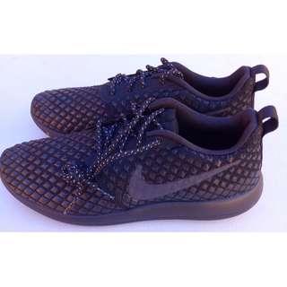 NEW Nike running shoes for Men, Black