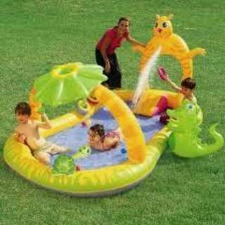 *FREE DELIVERY to WM only / Ready stock* Kids splash pool as shown design/color. Free delivery applied for this item.